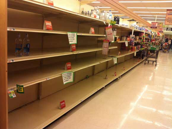 grocery store during hurricane sandy
