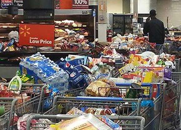 Are Food Stamp Riots Coming? Stores Ransacked and Torn Apart during Food Stamp Outage shoppingcarts