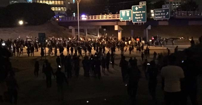 I-277 Blocked by Rioters