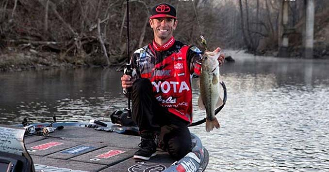Mike Iaconelli bass fishing
